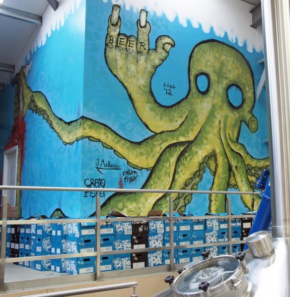 More underwater-themed murals for punks ...