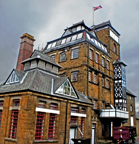 The Hook Norton brewery, designed by the brewery architect William Bradofrd, who also designed Harvey's brewery in Lewes and McMullen's in Hertford, among many others. This is the 'cliche shot' of Hook Norton, but hey …