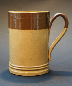 Edwardian stoneware Doulton pint mug, made in Lambeth and marked 'ER 4 LCC', for London County Council